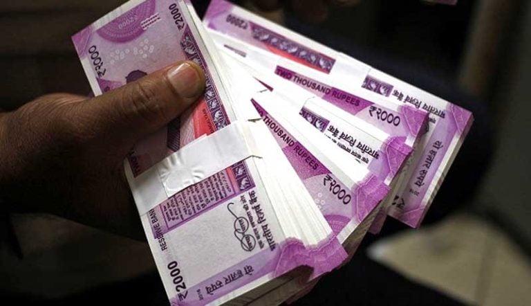 Post Demonetisation: Income Tax Dept set to issue 1 Lakh notices for Huge Deposits